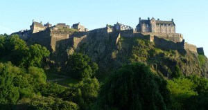 1280px-Edinburgh_Castle_from_the_North